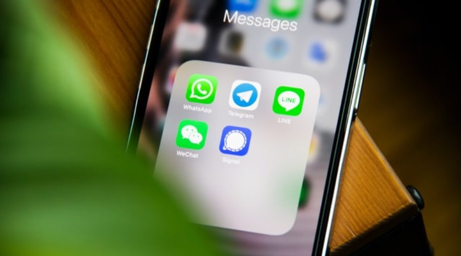 Are you aware of which mobile applications are essential in France ?